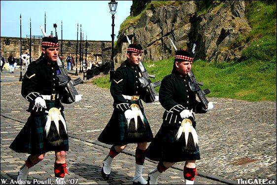Edinburgh Castle guards